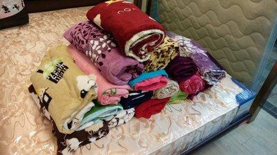 {艾瑪家居}特價 法蘭絨毛毯 絨毛毯 懶人毯 毛毯 多種樣式 超商限10件