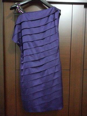 [銀穗 專櫃  Le Polka] 超時尚氣質款*亮麗紫*寶石斜肩洋裝小禮服