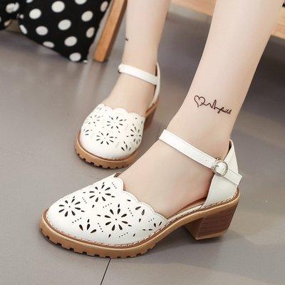 低跟鞋 鏤空涼鞋女夏圓頭粗跟一字扣帶韓版中空單鞋 小蛋殼