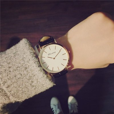 Louis手錶代購手錶女學生正韓簡約時尚創意個性男皮帶圓形大錶盤無秒針石英錶潮