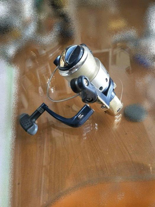台中樂居二手家具 X5926-5 藍銀色捲線器*中古捲線器 二手捲線器 磯釣捲線器 筏釣捲線器 池釣捲線器 二手釣具拍賣