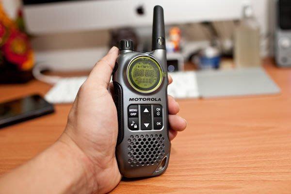 【101-3C數位館】MOTOROLA 多功能無線遠距離對講機 T8【一組一隻】 福利品小刮傷