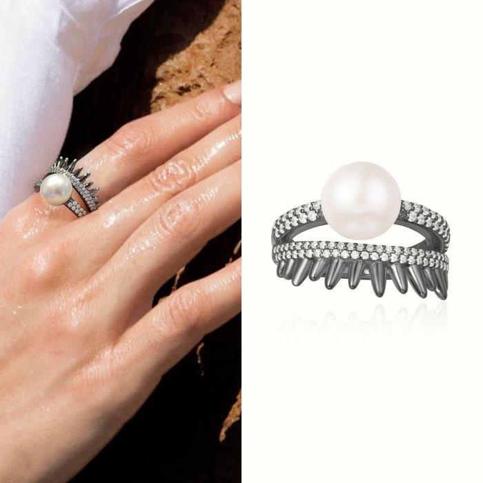 💎1480、黑鑲捕夢網系列 優雅麥穗晶鑽微鑲珍珠溫婉設計戒指💎正韓飾品 耳環 珠寶 925純銀針