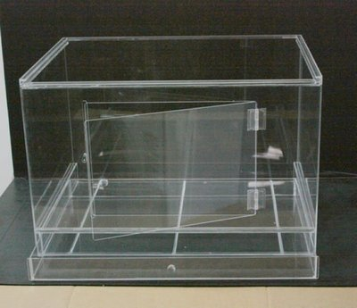 昆蟲.爬蟲.兩棲類.壓克力(附可外拉抽屜)寵物飼養箱。(60*深度45*高度40cm)