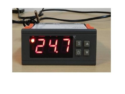 AC110V  30A輸出繼電器 數位式溫度控制器 冷熱 輸出