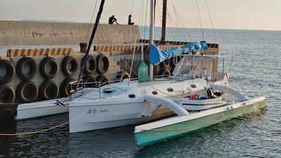 訂做34呎三體帆船trimaran(有成品),遊艇,釣漁魚船,獨木舟,sailboat,重型帆船,keel boat