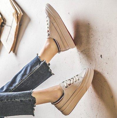 Fashion*超美真皮小白鞋 爆款厚底板鞋 時尚百搭休閒鞋/跟高3cm 35-40碼『白藍 白黃』