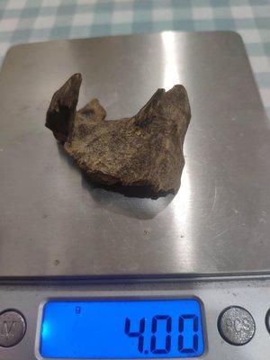 野生越南惠安沉香,沉水件( 約4公克)