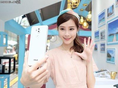 熱賣點 旺角店 全新 華碩 ASUS ZenFone 5Q 4+64G  黑/白 mk