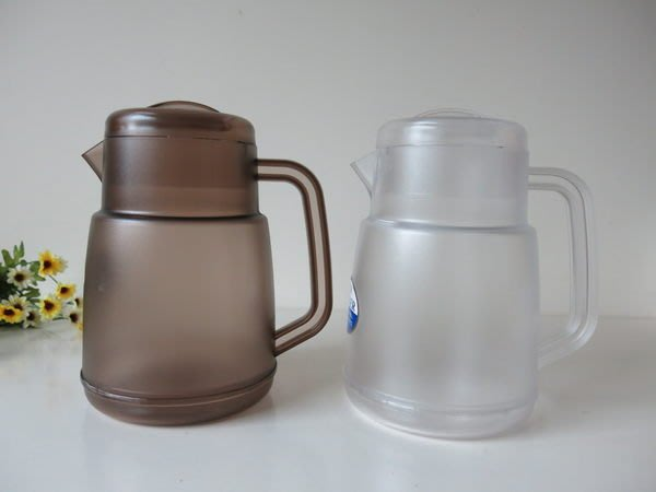 發現花園 日本選物~日本製 超輕 耐摔 耐熱 水壺 冷水壺 -1.6 公升~透明/咖啡