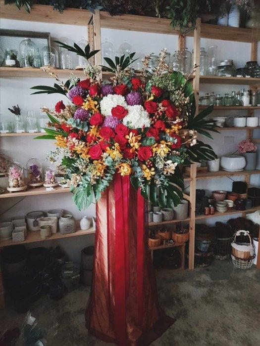 祝賀高架花籃| 開幕展覽演唱會|配送範圍大台北區|台北西門| Flower&House花藝之家