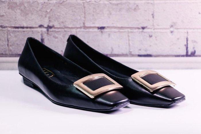 【海外原單】經典款黑色胎牛皮方跟方扣金屬低跟鞋
