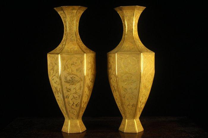 悅年堂 --- 銅鎏金 花鳥紋 六方瓶