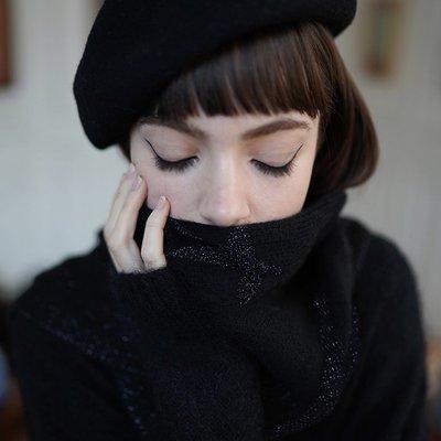 《巴黎拜金女》黑色星星羊絨圍巾圍脖長款保暖