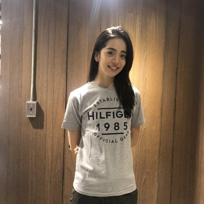 美國百分百【Tommy Hilfiger】T恤 TH 經典大logo T-shirt 短袖 復古 灰色 S號 I305