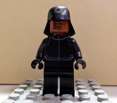 【LEGO樂高】Star Wars 星際大戰 星戰系列First Order Crew Member 75132限定