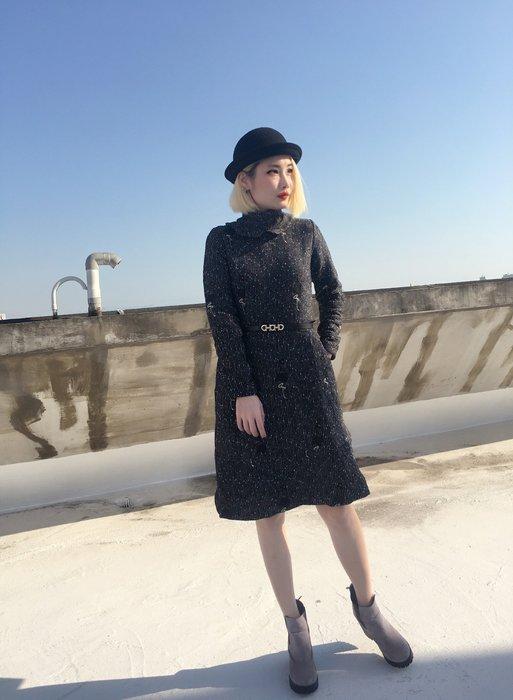 【鳳眼夫人】現貨不用等! 歐美時尚 復古優雅高領小紅鶴刺繡 修身A字連身裙 (附腰帶) 數量有限