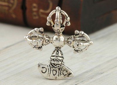 還願佛牌 十字金剛斧 藏銀 項鍊 辟邪 法器 藏傳 密宗 佛教 護身符 手工