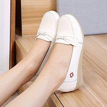護士鞋女單鞋真皮白色坡跟防滑平底工作鞋舒適中跟牛筋軟底女鞋子