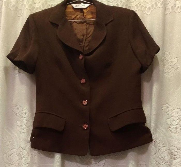 二手YEA DAY短袖上衣  春裝 秋裝  短袖外套 外套定價1680