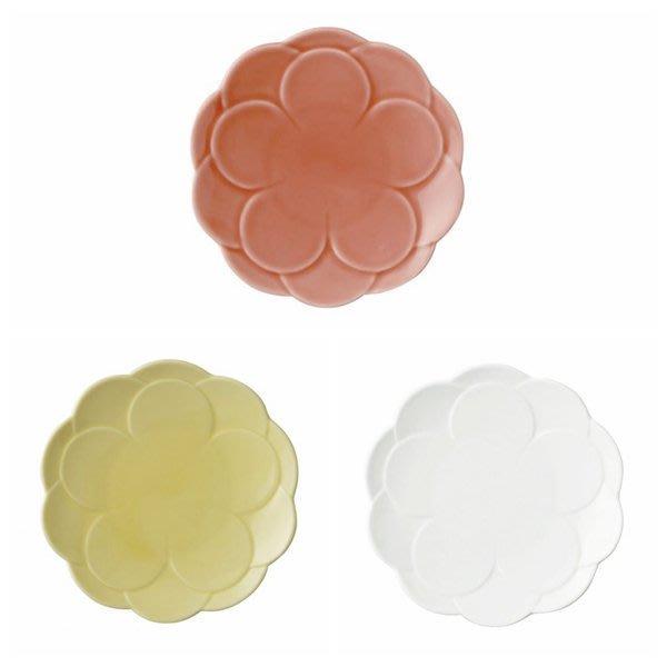 日本陶瓷【小田陶器】牡丹盤17cm 3色可選 花卉瓷盤 造型盤子 點心盤零嘴盤 水果盤 骨瓷質感 花草素瓷盤