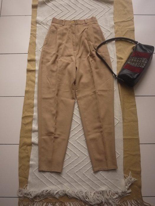 【二手精品好衣】FIDI正品 棉混紡中高腰 駝色長褲 顯瘦腿長 M號 防皺 九成新 衣櫃爆滿清倉特賣價