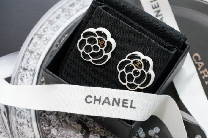 Chanel AB1771 earrings 山茶花珍珠耳環 黑白
