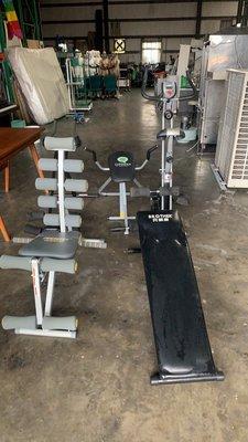桃園國際二手貨中心---健身器材一批~~健身車~仰臥起座~跑步機~~歡迎詢問 桃園市