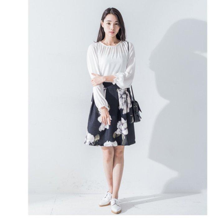 【木風小舖】轉賣Star.mimi.正韓.水墨花朵短裙*黑