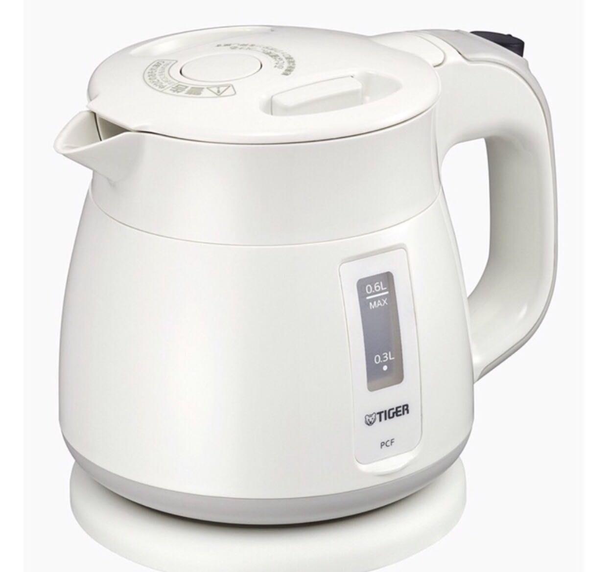 日本 TIGER 虎牌 PCF - G060 - W Tiger電熱水壺 0.6L 熱水瓶 快煮壺 白色 粉紫色