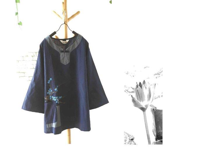 【荷湘田】秋裝--復古風單盤扣古典條配布七分袖手繪藍梅花+單口袋寬鬆款舒適棉衣大碼