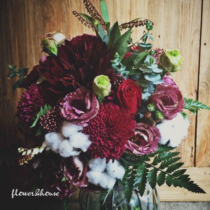【Flower&House花藝之家】F64。酒紅森林系。新娘捧花。拍照手綁花。客製捧花。森林系捧花。台北歡迎自取