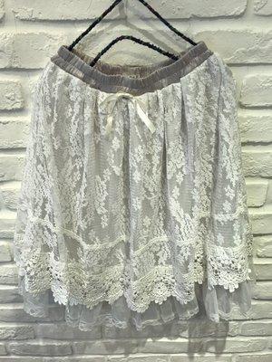 新品入荷 這件也太美的八!  日本axes購入 腰間拼接緞面蝴蝶結+雪花花柄蕾絲布料+夢幻紗長裙