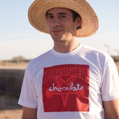 【THRASHER】Chocolate x Thrasher Skategoat純棉圓筒Tee (白色)連名款