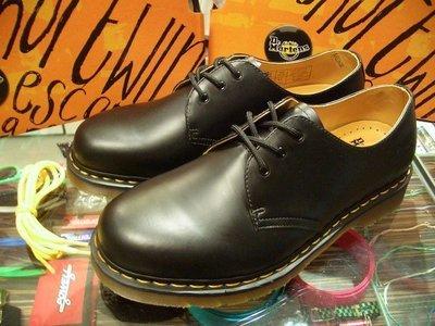 { POISON } Dr. Martens 3孔皮鞋式短靴 1461硬派經典 黑 UK10 (US11)