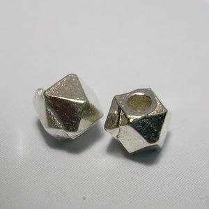 琥珀貓~【925純銀材料配件】方角珠~N9709款~4mm~一個