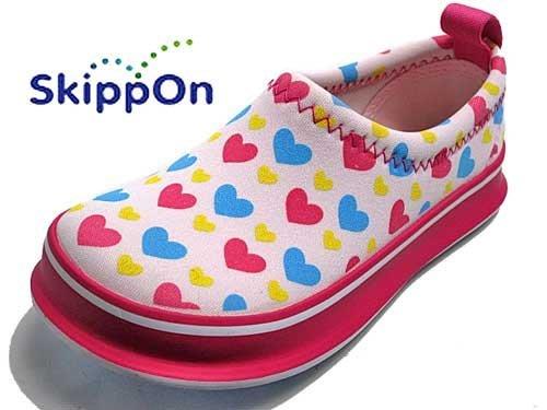 。小森親子好物。13cm 日本兒童休閒鞋 SKIPPON 機能防滑兒童休閒鞋 粉紅愛心(現貨)【KC15120011】