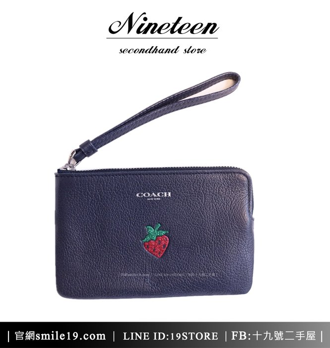 《十九號二手屋》全新COACH F26940 草莓印花真皮小手拿包/手挽包-深藍 小錢包/零錢包