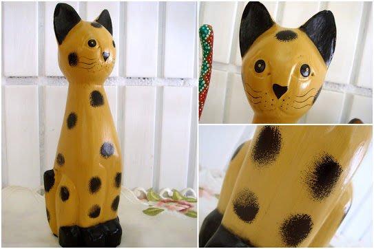 ~蘇菲亞精品傢飾~峇里島手工木雕彩繪圓點貓/超值特價