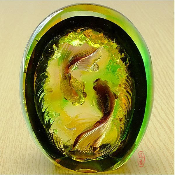 5Cgo【鴿樓】會員有優惠 40221769757 琉璃工藝品新婚禮物創意結婚禮品 琉璃對魚 雙魚戲水家居擺件 附