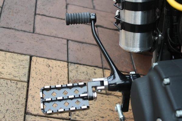 (I LOVE樂多)SPORTSTER車系專用 菱格雙排/單排腳踏 止滑安全可收折 883 48 XL1200 IRON可參考