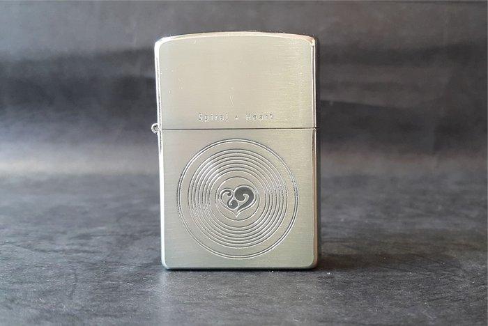 ONE~ 1~~日系~ZIPPO~Spiral Heart系列~2003~沸騰的心 ~鍍銀