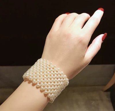 【Anna' Box】韓國東大門手工編織設計感白色珍珠寬版手環  ----  「現貨+預購」