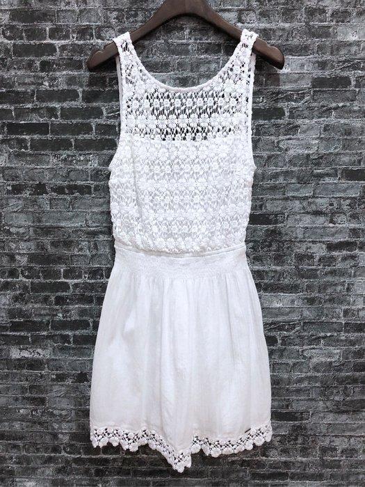 Maple麋鹿小舖 Hollister Co * HCO  白色針織電繡露背洋裝 * ( 現貨M號 )