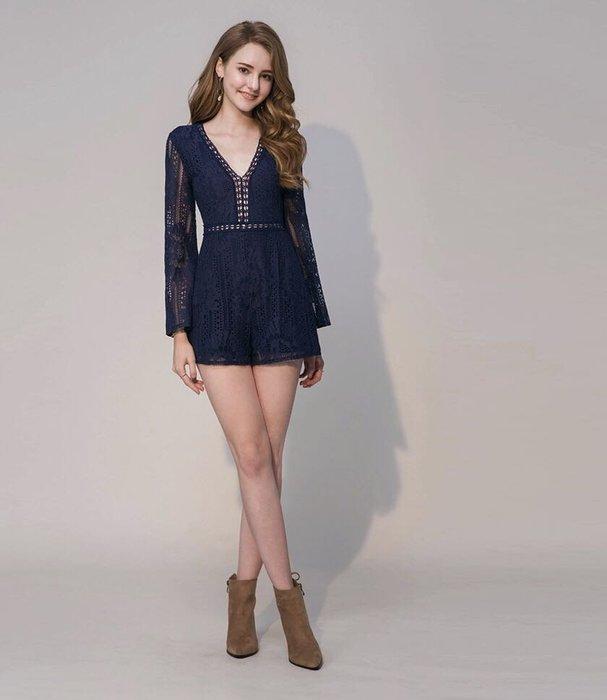 全新轉售 Air space 寬袖V領雕花蕾絲連身短褲-藍色 連身褲