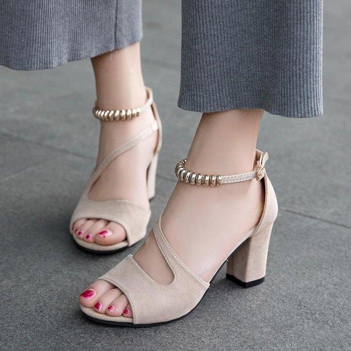 魚嘴鞋 一字扣羅馬優雅粗跟女涼鞋韓版休閑高跟鞋串珠魚嘴鞋