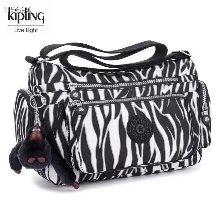 Kipling 猴子包  K132127 斑馬紋 多夾層拉鍊款輕量斜背包肩背包 大容量 旅遊 防水 限時優惠