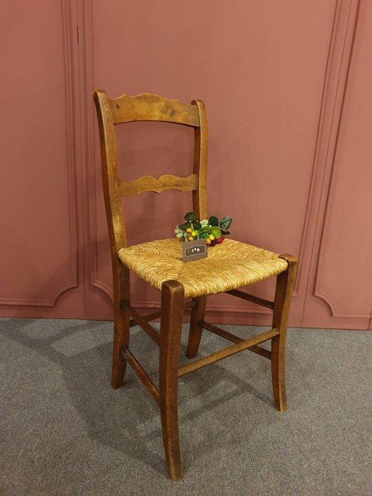 【卡卡頌 歐洲跳蚤市場/歐洲古董】法國老件 ~胡桃木 雕刻 麥稈  古董木椅 梵谷椅  ch0353✬