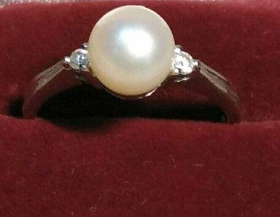 18K白金鑲鑽石伴珍珠戒指