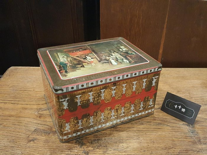 【卡卡頌 歐洲跳蚤市場/歐洲古董】歐洲老件_古典 歐洲宮廷貴族 皇室 細緻花紋 老鐵盒 餅乾盒 小物收納盒 m0527✬